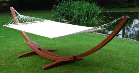 Luxusná Hojdacia sieť drevenou konštrukciou